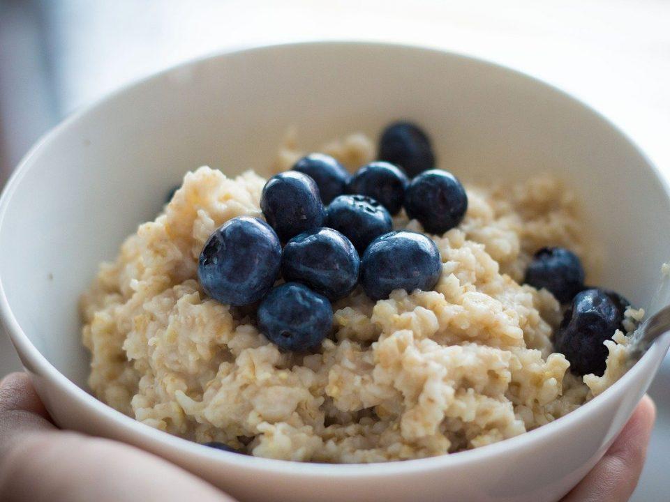 zoben akaša s borovnicama je idealna za doručak
