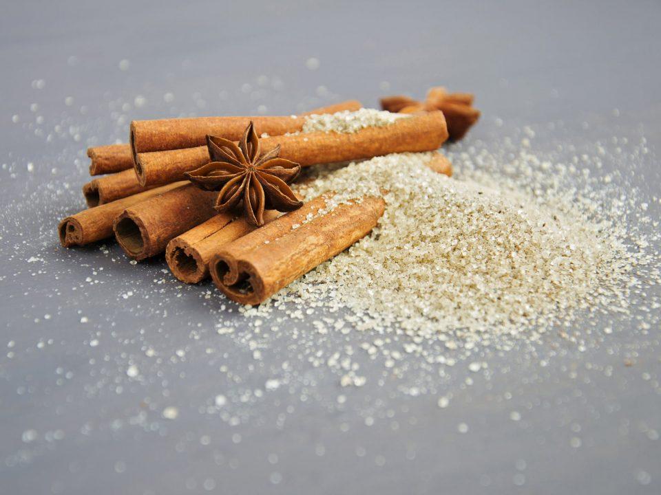 Zdravstvene prednosti cimeta pripisuju se sadržaju nekoliko specifičnih vrsta antioksidanata